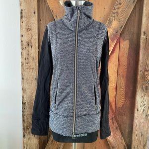 Lululemon zip jacket black 6 8